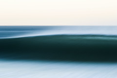 Vestígios (foto_Blanco) Tags: nature texture blur speedblur surfing surf surfphotography photography fineart art fineartphotography wave ocean sea beauty dream paint blue