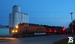 BNSF 6022 Leads EB L570 Manifest Iowa Falls, IA 6-29-18 (KansasScanner) Tags: iowa iowafalls ackley buckeye alden cn csx up ns bnsf iarr train railroad sunset