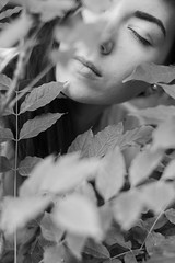 Niki,October 2015 (esztervaly) Tags: portrait portraitphotography portraiture portraitwoman portraitmood portraits woman womanportrait face faceportrait hair eye eyes blackandwhite blackandwhiteportrait blackandwhitephotography naturallight natural nature leaves leafs leaf leafleaves leavesleafs garden