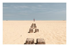 High and Dry (Number Johnny 5) Tags: 2018 lines tamron d750 nikon groynes space empty mundane beach imanoot banal deserted 2470mm sky documenting johnpettigrew