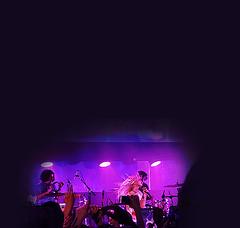 flip (andaelentari) Tags: hayleywilliams paramore zacfarro concert photojournalism photographersofflickr featured minimalism negativespace