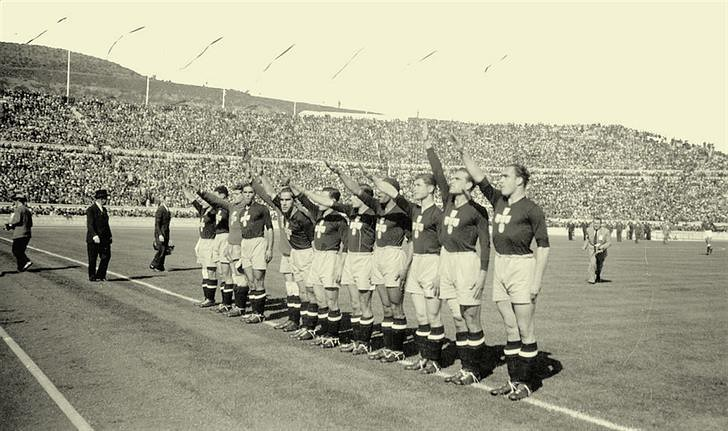 Portugal – Espanha, Estádio Nacional, 1945 (In D.N.)