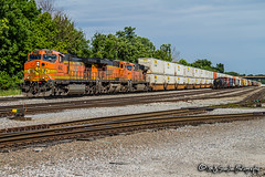 BNSF 4642 | GE C44-9W | BNSF Thayer South Subdivision (M.J. Scanlon) Tags: bnsf4642 bnsf6110 bnsf7522 bnsfthayersouthsubdivision business c449w canon capture cargo commerce container digital eos es44ac es44dc engine freight ge haul horsepower image impression intermodal jbhunt landscape locomotive logistics mjscanlon mjscanlonphotography memphis merchandise mojo move mover moving outdoor outdoors perspective photo photograph photographer photography picture rail railfan railfanning railroad railroader railway scanlon steelwheels super tennessee track train trains transport transportation view wow ©mjscanlon ©mjscanlonphotography