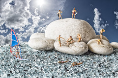 Día de playa (sairacaz) Tags: beach playa mar miniaturas miniatures miniatura miniature windsurf cielo sky nubes clouds sea arena sand vigo galicia wind nadadores swimming canon canonef50mmf18