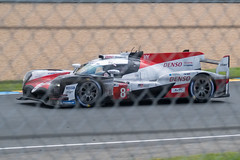 Le Mans 2018 - #8, Toyota Gazoo Racing, Toyota TS050 Hybrid, Cat LM P1, Sébastien Buemi / Kazuki Nakajima / Fernando Alonso - Le Mans, Pays de la Loire, France - 17/06/2018 12h45 (Arnauld Dravet) Tags: 8 2018 24hoursoflemans 24heuresdumans car catlmp1 circuit course endurance june lemans race sébastienbuemikazukinakajimafernandoalonso toyotagazooracing toyotats050hybrid track voiture dng iridient juin public paysdelaloire france camera:make=fujifilm exif:lens=xf100400mmf4556rlmoiswr14x exif:isospeed=500 geo:lat=47958523027778 geo:country=france geo:state=paysdelaloire exif:model=xh1 exif:aperture=ƒ64 geo:city=lemans camera:model=xh1 exif:make=fujifilm geo:lon=021310686111167 exif:focallength=140mm geo:location=anciencircuit landscape xh1 17062018 quality xf100400mmf4556rlmoiswr14x gps geoencoded