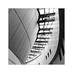 Cité de la Musique -1- (Jean-Louis DUMAS) Tags: monochrome bw noir noiretblanc noretblanc architecte architecture architect courbes fenêtre windows art artistic artistique abstrait abstraction abstract