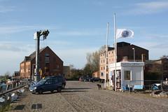 Fehmarn: Hafenmeisterei am Hafen Orth (Helgoland01) Tags: fehmarn schleswigholstein deutschland germany hafenbahn hafen harbor port ostsee