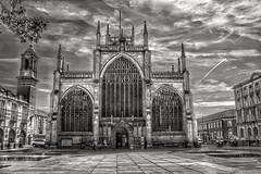 Hull Minster on a sunny day, in B+W. (HDR) 🌞 (LeanneHall3 :-)) Tags: blackandwhite mono hullminster minster building sky skyscape clouds talkativeclouds cloudsstormssunsetssunrises hull kingstonuponhull hullcitycentre leaves landscape canon 1300d hdr