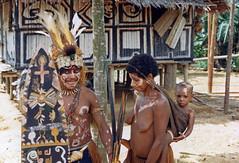 Muyu-Mandobo-022b (Stichting Papua Erfgoed) Tags: pietvanmensvoort msc papua stichtingpapuaerfgoed pace nieuwguinea nederlandsnieuwguinea irianjaya papuaheritagefoundation voormalignederlandsnieuwguinea