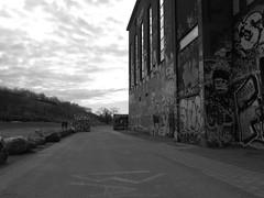 Röda sten i Göteborg 27 april 2018 (biketommy999) Tags: konst art göteborg rödasten sverige sweden 2018 biketommy biketommy999 svartvitt blackandwhite
