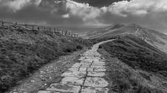 the great ridge above castleton (Royston King) Tags: thegreatridge mamtor castleton peakdistrict derbyshire rx10