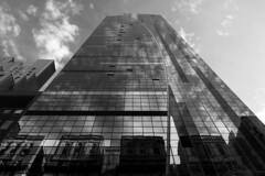Skyscraper (antoniomolitierno) Tags: grattacielo cielo nuvole wolking vetro specchio edificio gigante skyscraper sky clouds glass mirror building giant manhattan newyork usa america states canon eos 760d