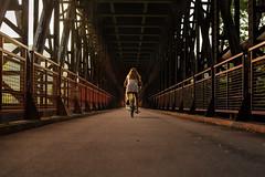 Puente simétrico (Nathalie Le Bris) Tags: pont symétrie puente bridge bicyclette bicycle riding cicloturismo céret simetria lvm