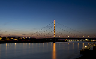 Düsseldorf in der Blauen Stunde