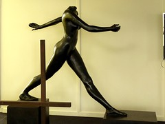 Skulptur im Musikhuset und Kunstmuseum Esbjerg - Eingangshalle, Dänemark (270) (Chironius) Tags: esberg dänemark skulptur esbjerg denmark sculpture danmark