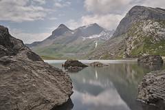 Lake Sanetsch / Sénin (ivoräber) Tags: loxia 21mm a6300 sony switzerland swiss alps
