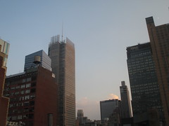 2018 August Crescent Moon and Evening Clouds 7798 (Brechtbug) Tags: 2018 august crescent moon evening clouds no virtual clock tower from hells kitchen clinton near times square broadway nyc 08162018 new york city midtown manhattan summer summertime weather building pink low hanging cloud hell s nemo southern view ny1rain