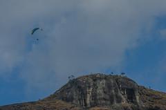 Paraglider sobre o pico do chorão (mcvmjr1971) Tags: baependi parque estadual da serra do papagaio minas gerais brasil nikon d7000 mmoraes viagem area rural river border collie play fun