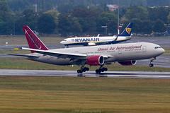 N828AX (PM's photography) Tags: eppo poz spotting aircraft airline jet plane oai omni b772 b777200 n828ax b777