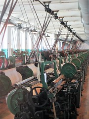 Row of looms, Boott Cotton Mills, Lowell, Massachusetts (Paul McClure DC) Tags: lowell massachusetts july2013 middlesexcounty newengland historic architecture machinery lowellnationalhistoricalpark