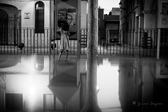 Quien llama? (Javi S .Fuentes) Tags: streetlife reflection reflejos elche canon6d streets streetphotography streetshot bw