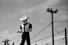 Gallup, NM (cestlameremichel) Tags: bnw black white monochrome monochromatic argentique 35mm analog minolta konica dynax 40 rollei retro 80s usa roadtrip west america filmisnotdead analogue analogica contrast