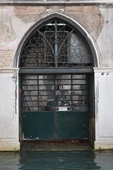Garage (LikeTheHitter) Tags: veneziano venetian venedig venise veneza venecia venezia venice architettura pasando canal kanal garage