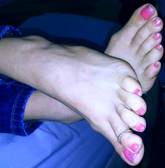 beautifully bare (pbass156) Tags: barefoot bare feet foot footfetish fetish toes toefetish toepolish paintedtoes pedicure pedi teasing sexy jewels toering bejeweled