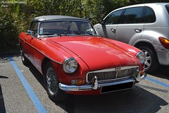 MG B (Monde-Auto Passion Photos) Tags: voiture vehicule auto automobile mg cabriolet convertible roadster spider red rouge ancienne classique collection petite little france chanaz alpes savoie