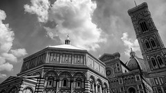 Piazza del Duomo (fongpei) Tags: santamariadelfiorecathedral giottosbelltower baptisteryofstjohn piazza duomo piazzadelduomo clouds landmark florence eurome italy firenze catholi church christianity 100v100f
