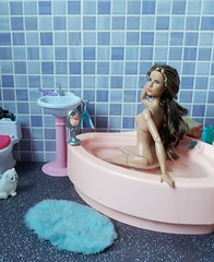 Tag Game: Shower/Bath Time (Lo_zio87_Barbie Collector) Tags: taggame bath time marisa fluffy madetomove barbie
