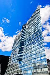 Torsion (L'Abominable Homme de Rires) Tags: ladéfense paris architecture skyscraper gratteciel building immeuble iledefrance canon5d 5dmkiii sigma 24105mmf4 dxo photolab lightroom city urban