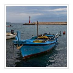 Port II (Splitti68) Tags: europa europe kroatien brac hafen boot blau rot quadrat square meer mittelmeer splitti splitti68 splittstöser splittstoesser wasser water