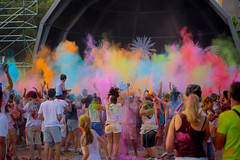 Guerra de Colores-Colors (angelalonso4) Tags: canon eos 6d tamron sp 90mm f28 di vc usd macro11 f004 ƒ28 900 mm 1400 500 calle castelldefels dance street 景观 color colors stree