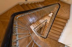 The Triangle (Frank Guschmann) Tags: treppe treppenhaus staircase stairwell escaliers stairs stufen steps frankguschmann nikond500 d500 nikon