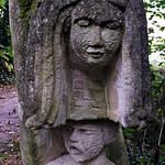 2 - Les bords de Marne à Chessy - Jardin de Sculptures de la Dhuys par Jacques Servières - Détail d'une sculpture thumbnail