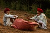 Conversation. Pushkar Mela. Rajasthan (Tito Dalmau) Tags: men raca¡¡bari camels fair mela pushkar rajasthan india