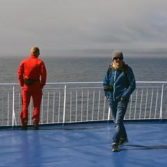Contrasts at sea (mikael_on_flickr) Tags: contrastsatsea atsea contrasts contrasti kontraster red rød rosso rouge rot blå blue bleu blau blu franco husband båd boot ferry msnorröna atlanticsea atlanten føroyar færøerne hav mare meer