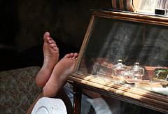 Put Your Feet Up (Doris Burfind) Tags: stilllife feet people shop glass