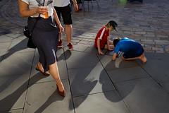 London (jaumescar) Tags: kids playing beer london england unitedkingdom woman walking shoes sunset light shadow streetphotography