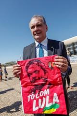 Ato inter-religioso reúne Nobel da Paz em apoio a Lula e solidariedade a grevistas. Foto: Magno Romero           Data:14/agosto/2018 (PTnaCâmara) Tags: ato inter religioso nobel da paz lula solidariedade stf greve de fome nelson pellegrino