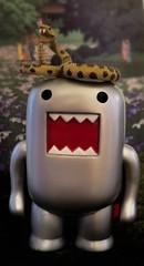 domo and his bodyguard......2018-06-23 (wintersoul1) Tags: domo toy silver plastic