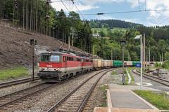 ÖBB 1142 627 en 1142 694  Breitenstein (Semmeringbahn) (Hans Wiskerke) Tags: breitenstein niederösterreich oostenrijk at