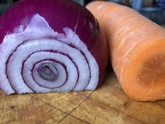 on the cutting board (Hayashina) Tags: vegetable onion carrot