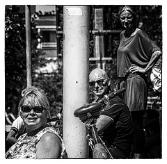 onlookers (stevefge) Tags: 2018 nijmegen vierdaagse street candid people blackandwhite bw monochrome zwartwit zw bicycles bikes square grain nederland netherlands nl nederlandvandaag reflectyourworld unsuspectingprotagonists
