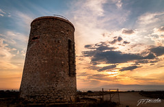 Torre Garcia /Tower Garcia (Pomediouda) Tags: torre militar playa cielo nubes atardecer nikon d90 estructura historia 1855 18mm almería arena piedra sol sun tower sky orange natur sunset sea nature
