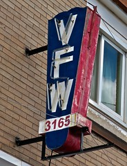 VFW Post #3165, Negaunee, MI (Robby Virus) Tags: negaunee michigan mi up upper peninsula vfw veterans foreign wars post 3165 fraternal organization sign signage neon