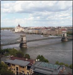 Budapest 2017 LXXXII (__Daniele__) Tags: węgry magyarország macaristan hongrie hongaria ungarn budapest 6x6 120 mittelformat 80mm planar kodak portra 400 c41 analogue analog hasselblad film