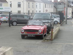 TR6. (Andrew 2.8i) Tags: car cars classic classics carspotting street spot spotting briitsh sports sportscar open cabriolet convertible triumph tr6 roadster
