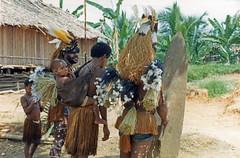Muyu-Mandobo-022c (Stichting Papua Erfgoed) Tags: pietvanmensvoort msc papua stichtingpapuaerfgoed pace nieuwguinea nederlandsnieuwguinea irianjaya papuaheritagefoundation voormalignederlandsnieuwguinea